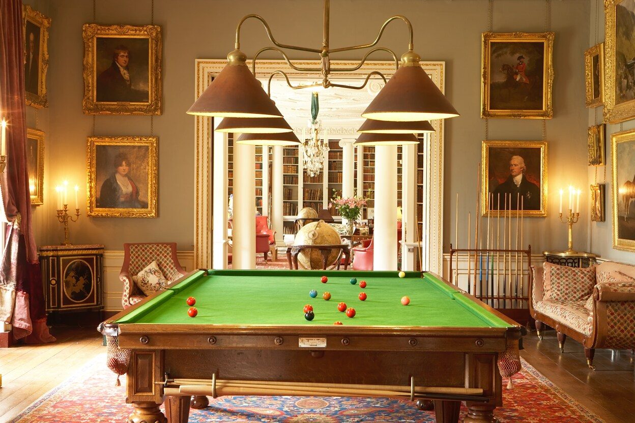 Stately homes edward bulmer interior design for Pool room design uk